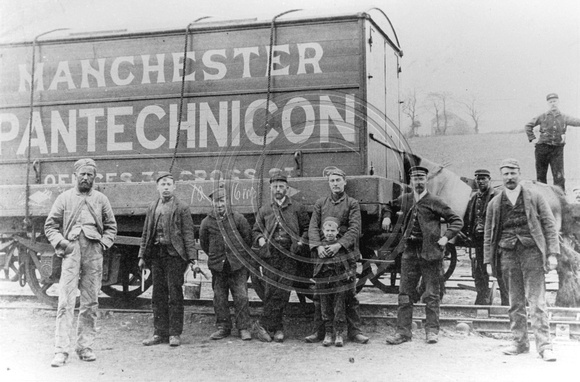 LNWRS 9122  Open Wagon Pantechnicon